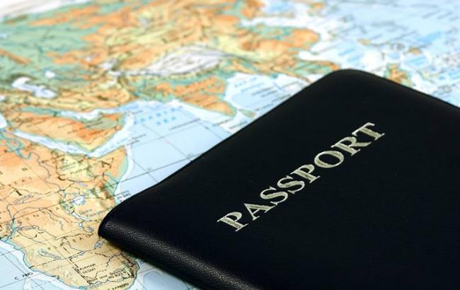 Фото: Украинцам больше не нужна виза в Албанию (nahnews.org)