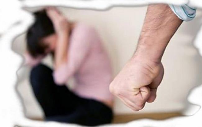 Фото: Мужчина ударил женщину (LadyEve.ru)