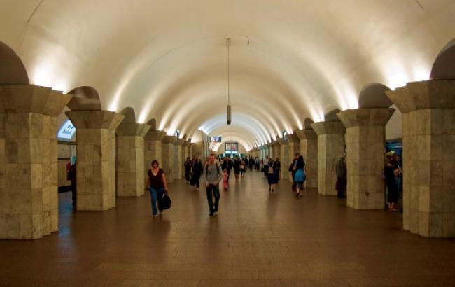 """Міліція не знайшла вибухівку на станції київського метро """"Майдан Незалежності"""""""