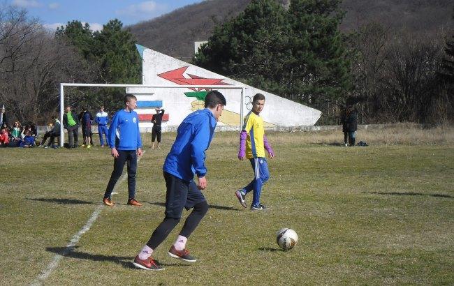 Фото: Дворовий футбол у Криму під загрозою