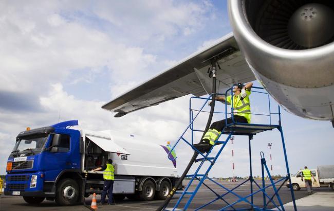 """Заправка керосином: как из импортного авиатоплива делают """"дизель"""" для АЗС"""