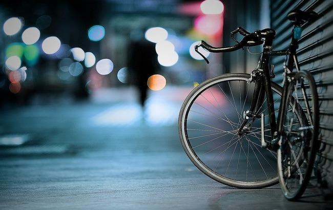 У столиці встановлено новий рекорд. Польський велосипедист-експериментатор dd6e623a201ff