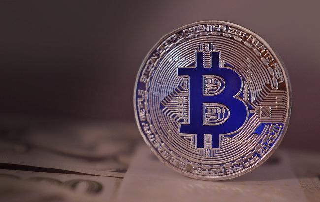 Курс біткоіна перевищив 11 тисяч доларів за монету