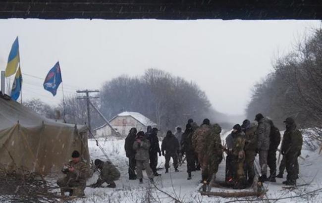 Блокада Донбасу: штаб заявляє про госпіталізацію трьох своїх активістів