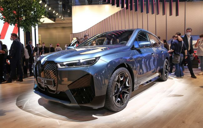 Алмазы в динамиках: электрический кроссовер BMW iX получил необычную аудиосистему
