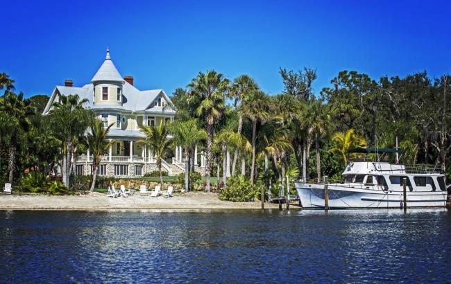 Куплений за долар маєток подорожчав на $2,4 млн