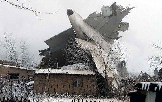 Мародер поживился электрочайниками наместе авиакатастрофы под Бишкеком