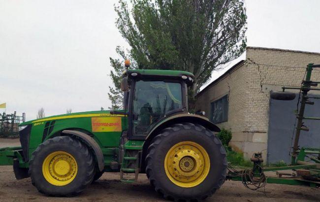 У Донецькій області трактор наїхав на вибуховий пристрій