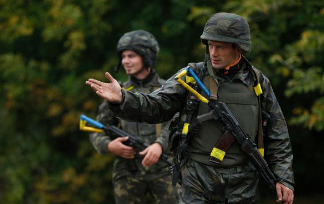 Фото: Украинским бойцам понравилась реакция на их сюрприз (facebook.com)