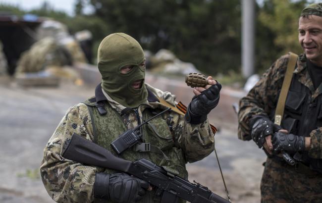 Есть жертвы ираненые: боевики устроили бойню наодном из учреждений Луганщины