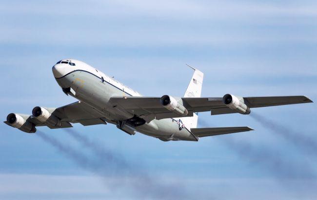 Военный самолет США пролетел над Россией