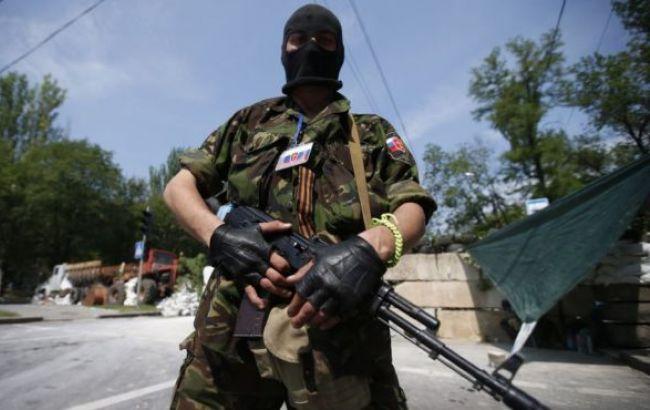 Amnesty International вимагає розслідувати вбивства бойовиками полонених на Донбасі