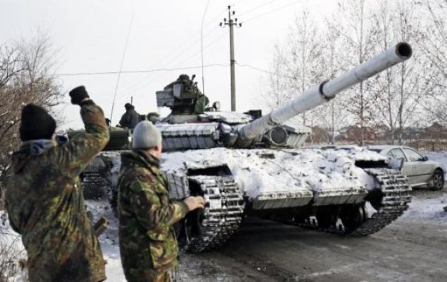 Бойовики за ніч 23 рази обстріляли позиції сил АТО, - штаб