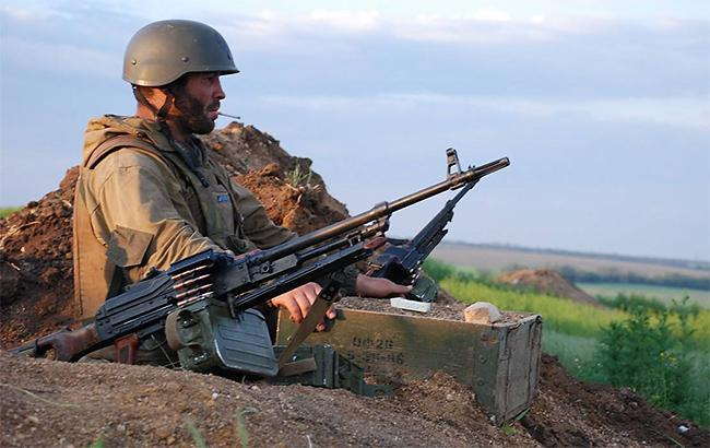 Боевики обстреляли участок разведения сил в районе Золотого