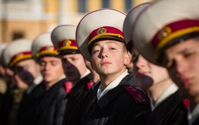 Фото: Первокурсники приняли присягу (tsn.ua)