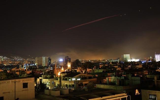 Ракетные удары по Сирии (фото: boston_informer twitter)