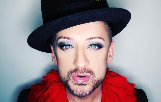 Boys in Make up: новое движение в Instagram