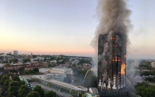 ua.korrespondent.net Кількість постраждалих в результаті пожежі в житловому  будинку в Лондоні зросла до 30 осіб 315319f2293ca