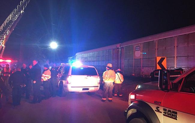 Фото: столкновение поездов в США (twitter.com/LCSD_News)