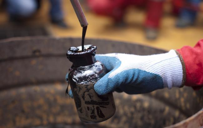 Цена нефти Brent поднялась выше 45 долларов за баррель