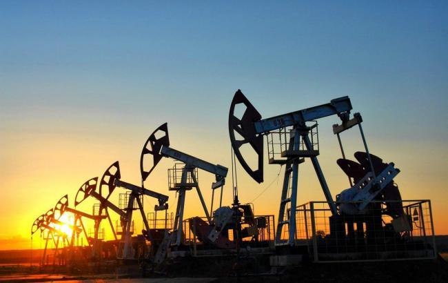 Ціна нафти Brent вперше за два тижні перевищила 56 доларів за барель
