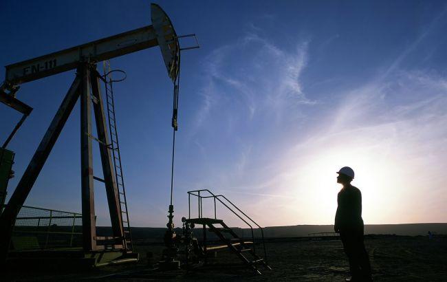 Цена нефти Brent превысила 56 долларов за баррель