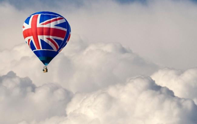 Фото: з Великої Британії можуть переїхати банки