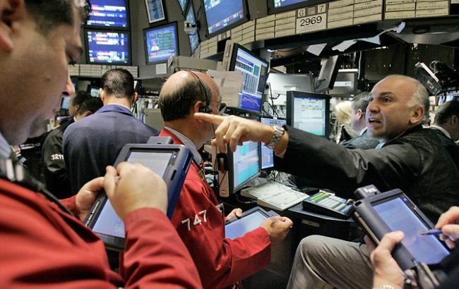 Фондовые индексы Китая ицена нефти падают