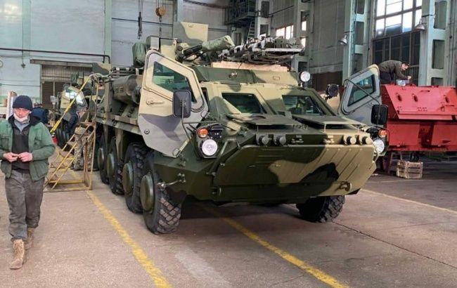 ВСУ получили новую партию бронетранспортеров БТР-4Е