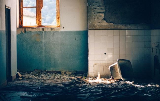 """Жительница Днепра """"хранила"""" в квартире восемь """"камазов"""" мусора"""