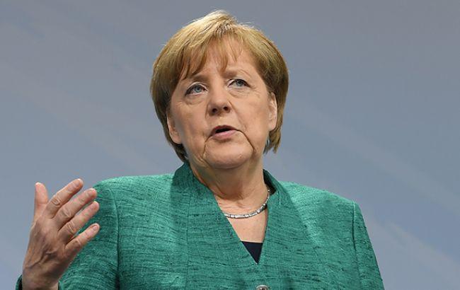 Меркель обговорювала з Путіним питання розміщення миротворців ООН на Донбасі