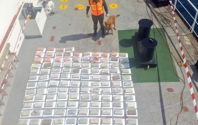 В Венесуэле арестовали судно с украинцем на борту за перевозку 147 кг кокаина