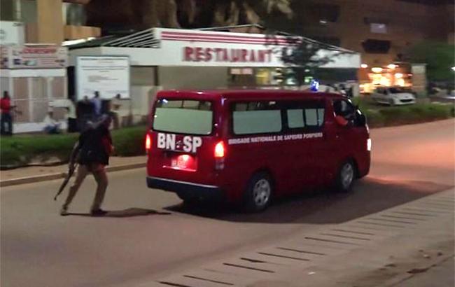 Власти Буркина-Фасо: Нападение накафе могло быть терактом