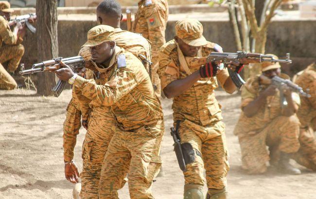У Буркіна-Фасо в ході нападу ісламістів загинули десятки осіб
