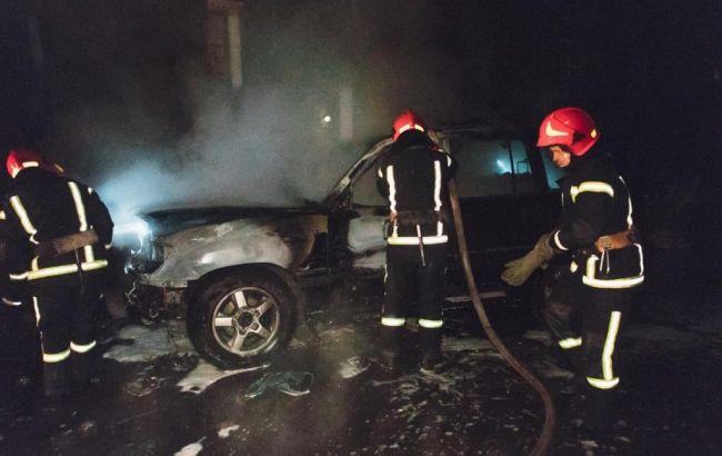 В Киеве ночью сожгли авто депутата Киеврады