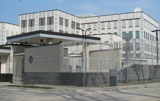 В американском посольстве не считают взрыв терактом