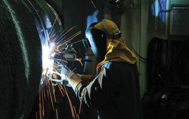 Промвиробництво в Україні в жовтні сповільнило падіння до 16,3%, - Держстат