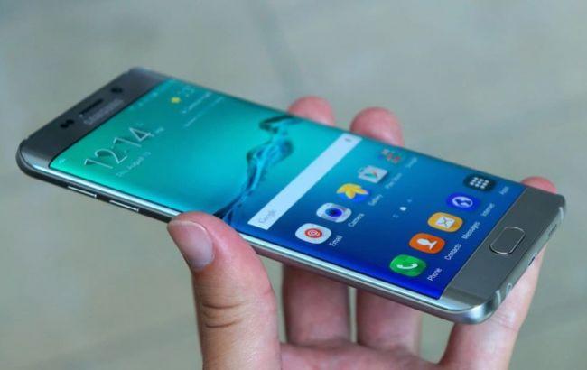 Фото: смартфон Galaxy Note 7 взрывается при подзарядке