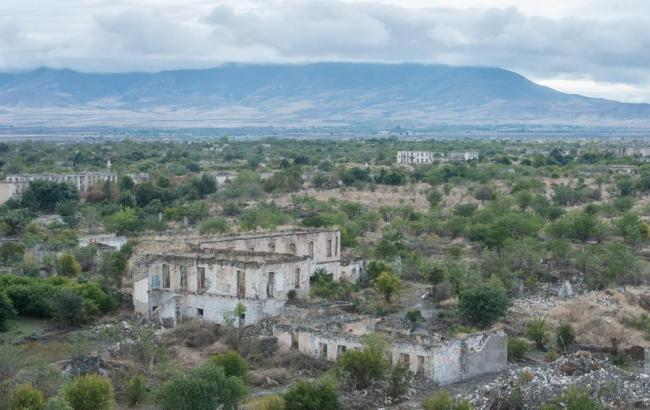 Выпущенные в ходе конфликта в Нагорном Карабахе снаряды упали на территории Ирана