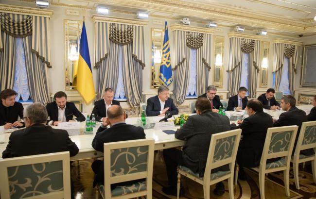Украинское кино нуждается в национальной помощи — Порошенко