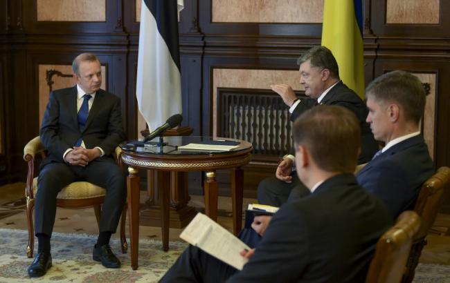 Фото: Петр Порошенко принял верительные грамоты у послов