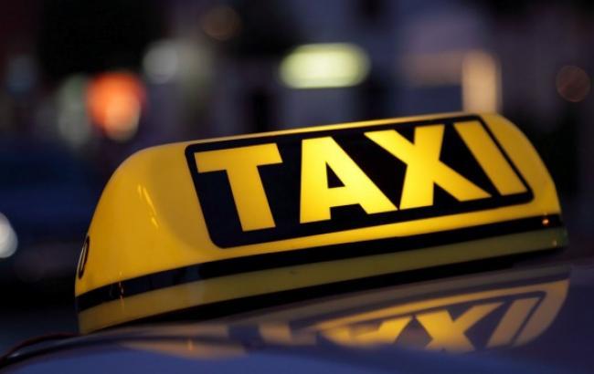 Чим вигідніше користуватися в мегаполісі: таксі або власним автомобілем