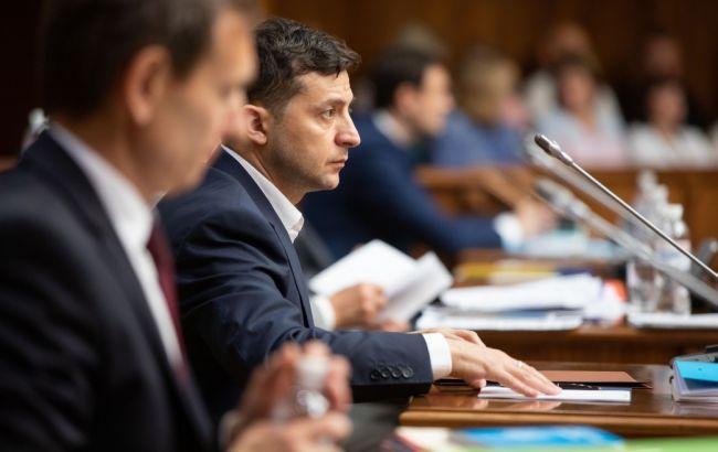 Зеленський звільнив 15 голів обласних держадміністрацій