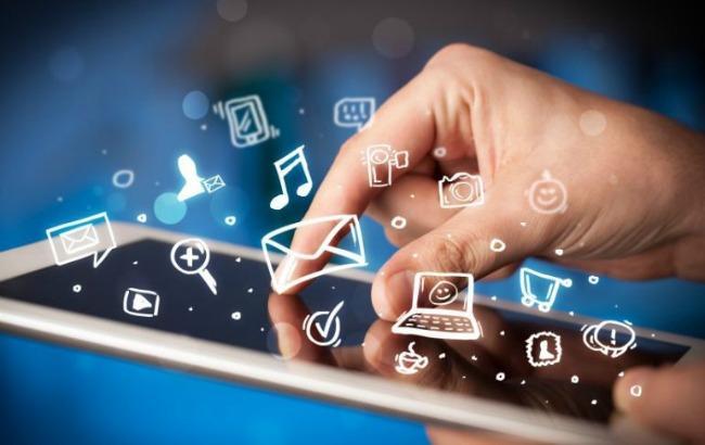 Фото: кількість користувачів смартфонів в Україні зростає