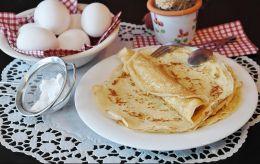Масленица на пороге: рецепт необычных блинов от Евгения Клопотенко