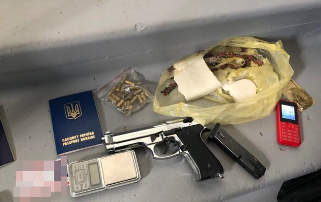 В Киеве правоохранители изъяли наркотики на полмиллиона гривен
