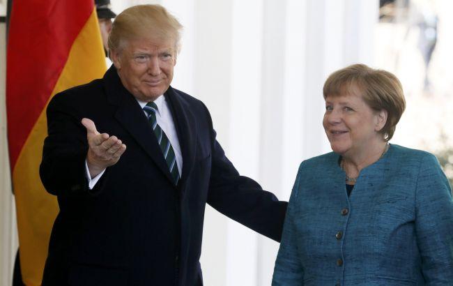 ВБелом доме впервый раз прокомментировали отказ Трампа пожать руку Меркель