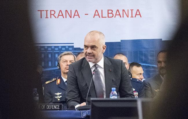 Прем'єр Албанії звинуватив президента у порушенні конституції