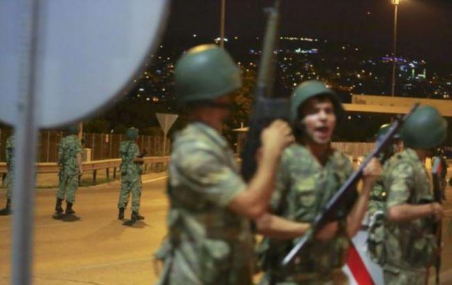 Фото: турецкие военные в Стамбуле