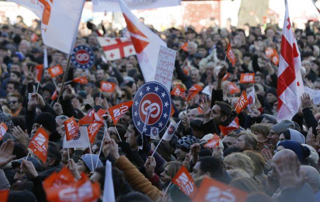 В Грузии около 30 тысяч человек выступили в поддержку свободы слова